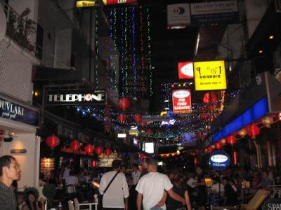 Patpong, o bairro vermelho