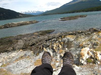 Uma pausa para descansar um pouquinho à beira do lago