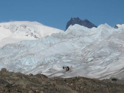 Aventureiros que optaram pelo big ice - caminhar no gelo