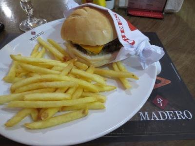 Boa opção para refeições. Existem várias unidades em Curitiba