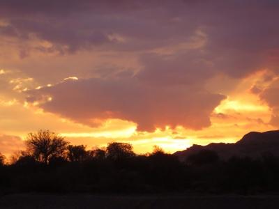 Por do sol no deserto. Um espetáculo a cada dia